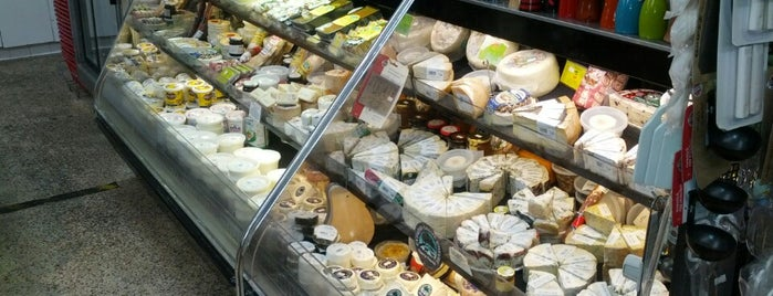 Bay Cities Italian Deli & Bakery is one of Going Back To Cali...Again.