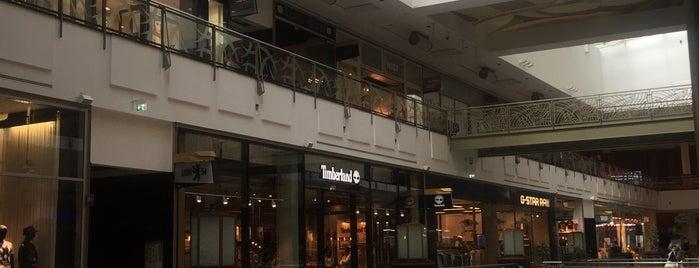 Mister Spex Flagship Store is one of Lugares favoritos de Matthias.