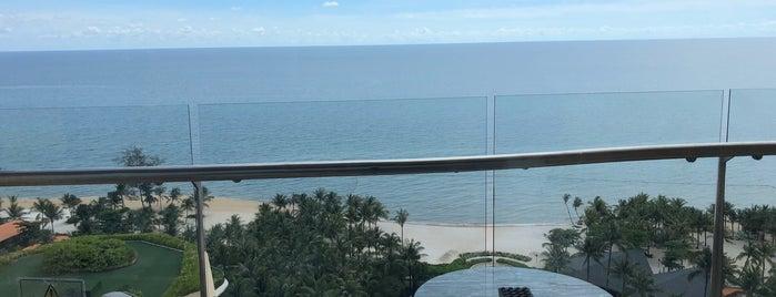Intercontinental Phu Quoc Long Beach Resort is one of Orte, die Henry gefallen.
