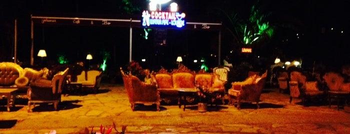 Yakamoz Bar is one of Lugares favoritos de Irfan.