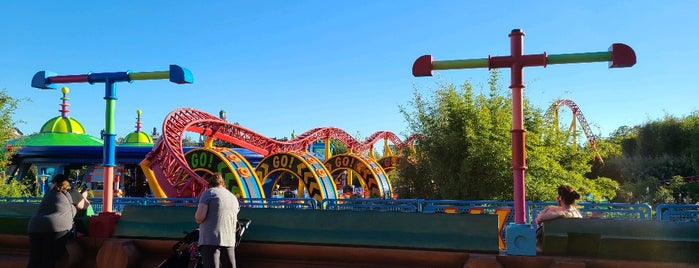 Slinky Dog Dash is one of Tempat yang Disukai Priscila.