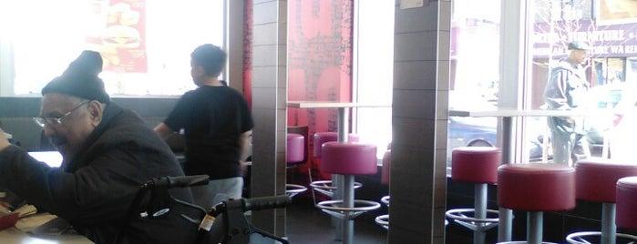 McDonald's is one of Orte, die Marc gefallen.