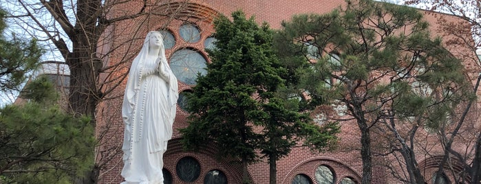 Myeongdong Cathedral Statue is one of South Korea.