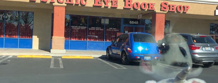 Psychic Eye Book Shops is one of Lugares guardados de Kayla.