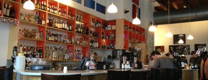 Halcyon Coffee, Bar & Lounge is one of Posti salvati di Andrea.