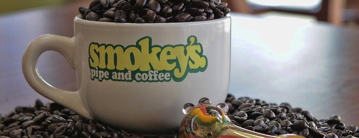 Smokey's Pipe and Coffee is one of Tempat yang Disukai Lani.