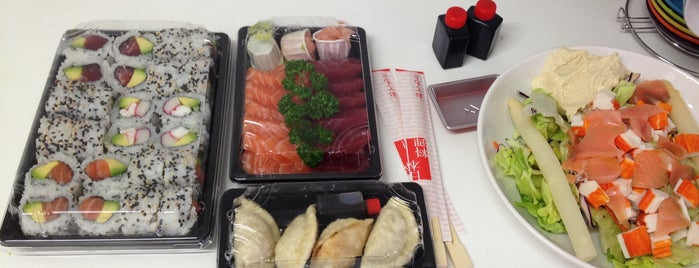 Sushi Delivery is one of Tempat yang Disukai Venice.