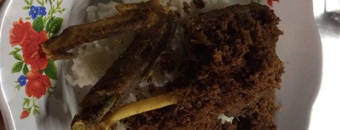 Bebek Goreng Bulak Kapal is one of Kuliner Bekasi.