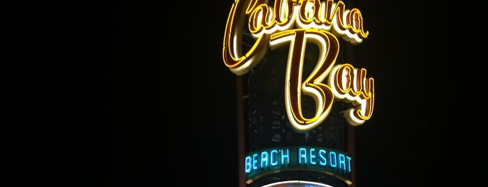 Universal's Cabana Bay Beach Resort is one of Tempat yang Disukai Alan.