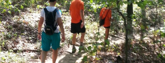 Lewis And Clark Hiking Trail is one of Lugares favoritos de Ryan.