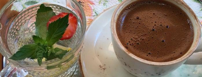 Şehrengiz Cafe Balat is one of Balat.