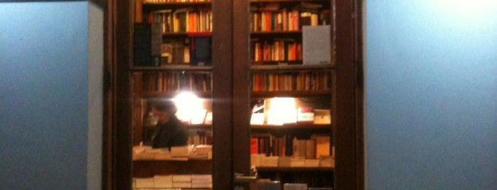Libros del Pasaje is one of Mi BsAs Querida.