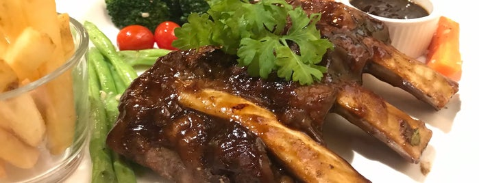 Simply Ribs (Halal) is one of Locais curtidos por Rahmat.
