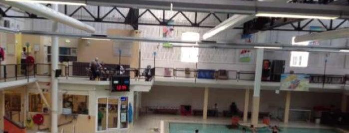Sportfondsenbad Oost is one of Swimming Pools in Amsterdam.