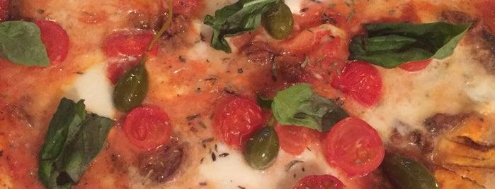 Miss Pizza is one of Tempat yang Disukai Ahmet.