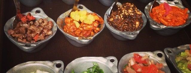 Mestizo is one of comida extranjera.