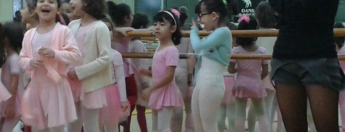 Dans Akademik is one of Tempat yang Disukai Damla.