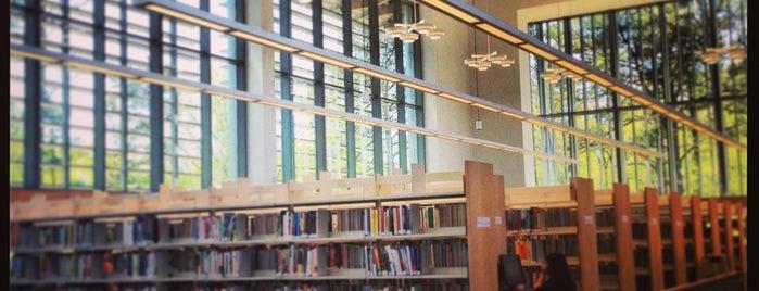 Chapel Hill Public Library is one of Tempat yang Disukai h.