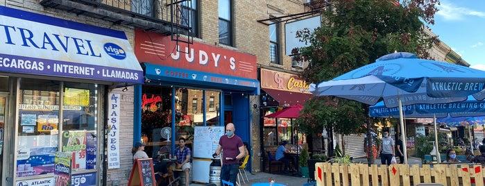 Judy's is one of Tempat yang Disukai Andrew.