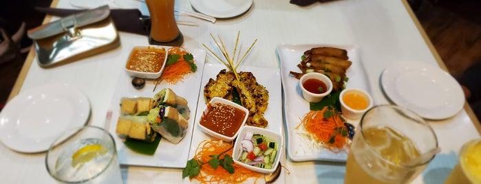 Thai Noodle Wave is one of Locais curtidos por David.