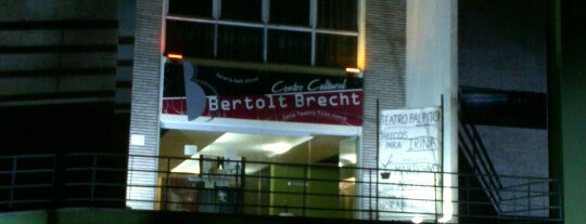 Bertolt Brecht is one of Lieux qui ont plu à Valentina.
