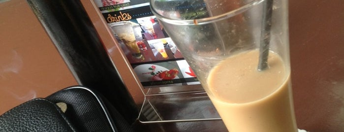 River View Cafe is one of Nongkrong di semarang.