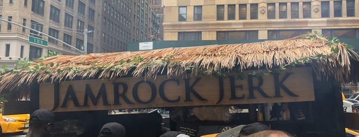 Jamrock Jerk is one of Lugares favoritos de L.
