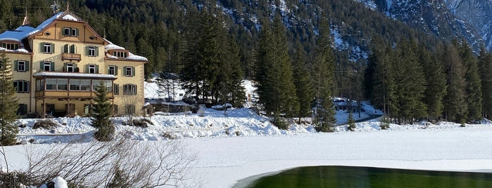 Lago di Dobbiaco is one of สถานที่ที่ Daniele ถูกใจ.