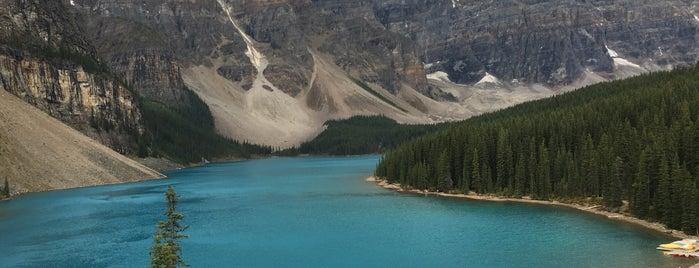 Moraine Lake is one of Krista'nın Beğendiği Mekanlar.
