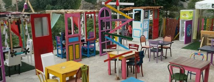 Renkli Kapılar is one of Meydan Dışı.