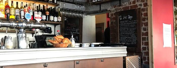 Café La Pompe is one of Lieux qui ont plu à Alastair.