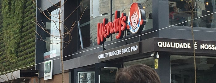 Wendy's is one of Locais curtidos por Marcela.