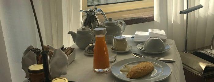 Breakfast in Hotel Tivoli Lisboa is one of Locais curtidos por Francisco.