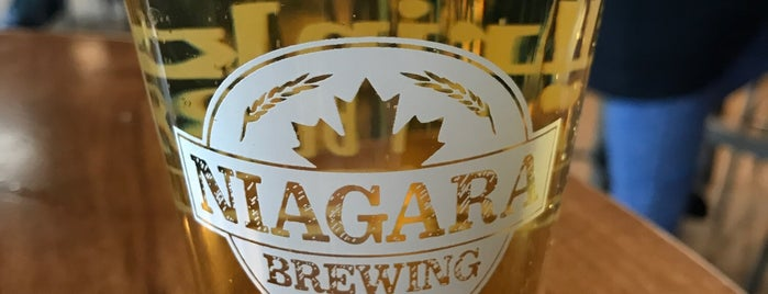 Niagara Brewing Company is one of Locais salvos de Lizzie.