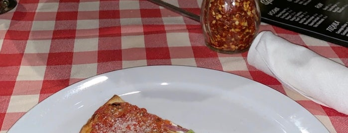 Grimaldi's Pizzeria is one of Levent 님이 좋아한 장소.