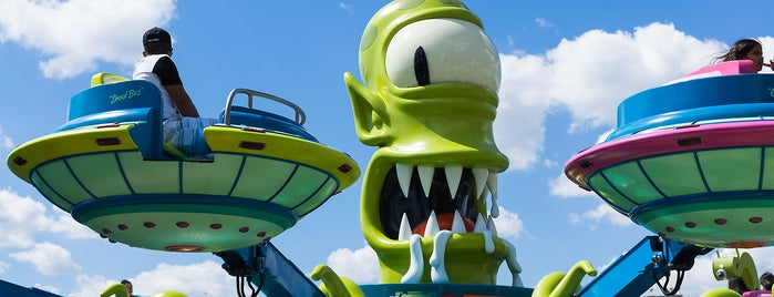 Kang & Kodos' Twirl 'n' Hurl is one of Locais curtidos por M..