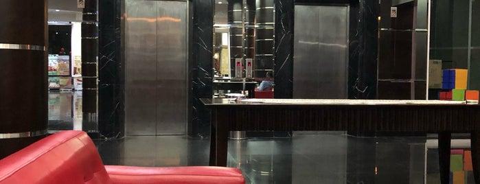 Zurich Hotel is one of Hidayat'ın Beğendiği Mekanlar.