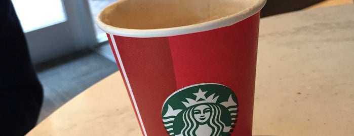 Starbucks is one of Tempat yang Disukai Nicole.