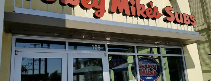 Jersey Mike's Subs is one of Posti salvati di Michael.
