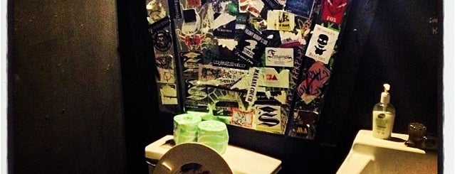 Trash Bar is one of nyc galleries.