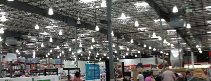 Costco is one of Lieux qui ont plu à ᴡ.