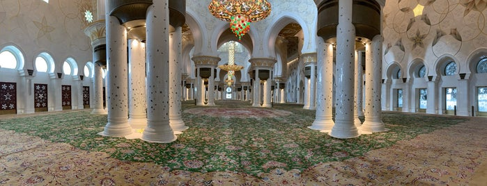 Sheikh Zayed Grand Mosque is one of Bloggsy : понравившиеся места.