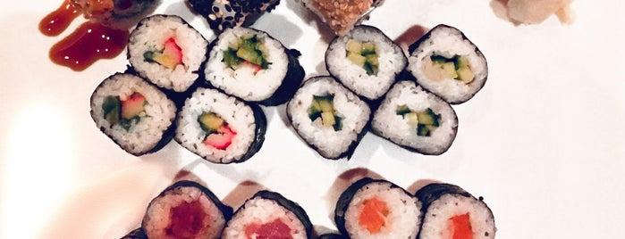 Sushi Factory is one of Lieux qui ont plu à Josh.