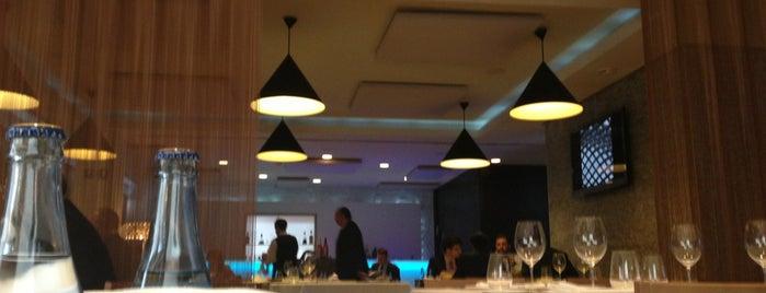 Un Lugar is one of Mis restaurantes.