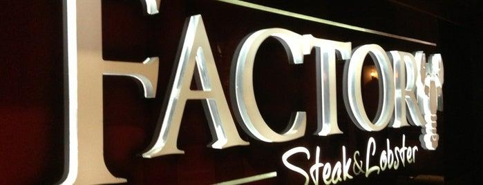 Factory Steak & Lobster is one of Orte, die Claudia María gefallen.