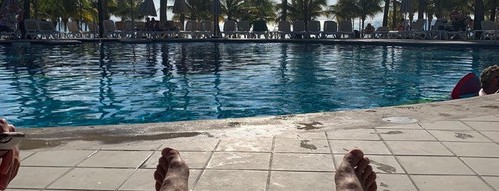 RIU Yucatan (Swimming Pool) is one of Emiliano 님이 좋아한 장소.