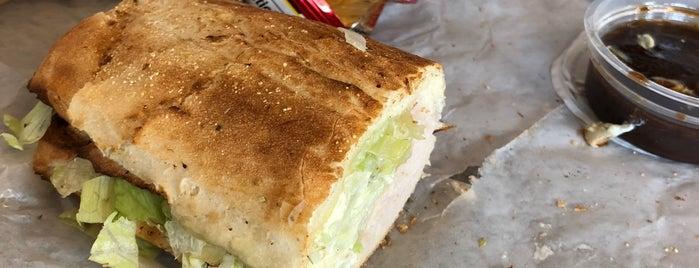 Potbelly Sandwich Shop is one of Wayne'nin Beğendiği Mekanlar.