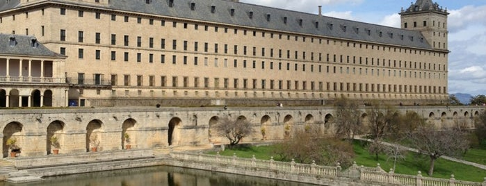Monasterio de San Lorenzo de El Escorial is one of Madrid.