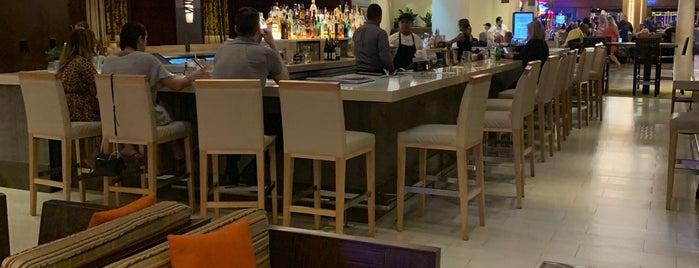 AC Hotel By Marriott San Juan Condado is one of สถานที่ที่ Ashley ถูกใจ.