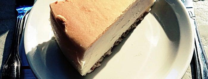 New York New York Cheesecake is one of Lieux sauvegardés par Yeliz Ş..